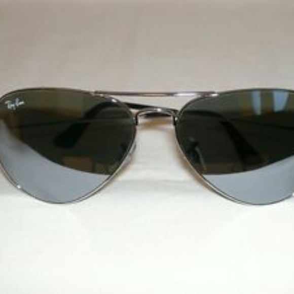 Ray-Ban Accessories - RaY-BaN Iconic Aviator SunGlasses